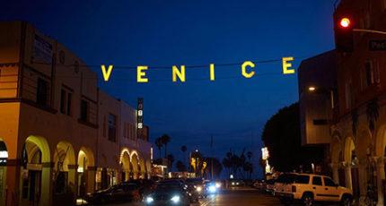 Venice-ca-sign